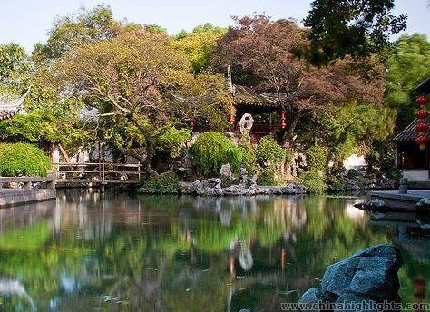 Scenery of Suzhou Tongli Town in autumn
