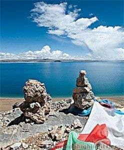 Lake Namtso in May