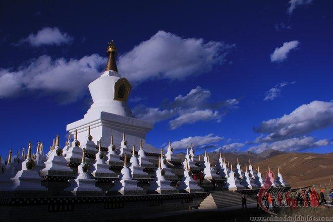 White pagodas in Daocheng