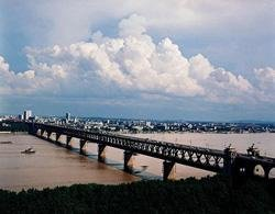 the Yangtze River Bridge in Wuhan
