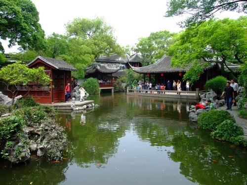Green trees of Suzhou Tongli Town in spring