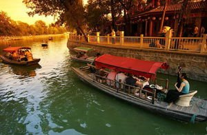 Nice Choices for Going Boating in the Parks of Beijing