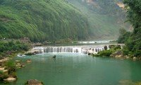 huangguoshu waterfalls in guizhou