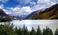 rawok lake tibet
