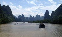 li river cruise guilin china