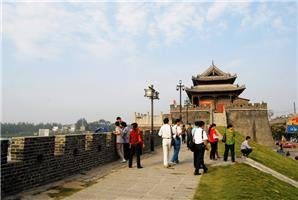 ancient city wall in shouxian county