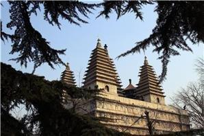 five pagoda temple