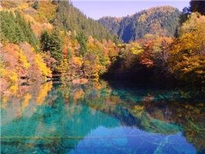 Jiuzhaigou valley autumn colors