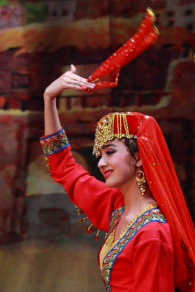 Female Uyghur clothing