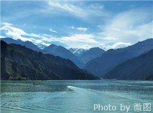 tianchi lake of tianshan