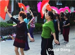 morning-exercise-in-guilin