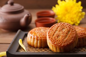 Mooncakes with sweet bean paste