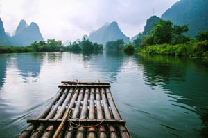 Li River Cruise vs Bamboo Raft  (An Australian Expat's View)