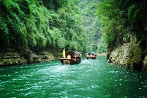 Daning river boating