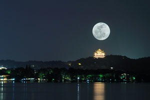 Full moon over West Lake, Hangzhou