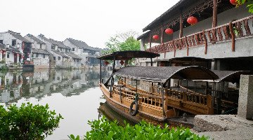 Boat riding in the Tongli Water Town