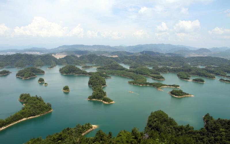 Baihua Lake