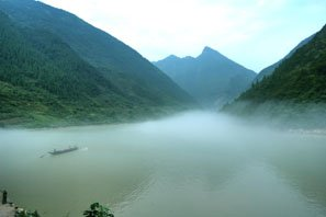 Shenlong Stream on the Yangtze River