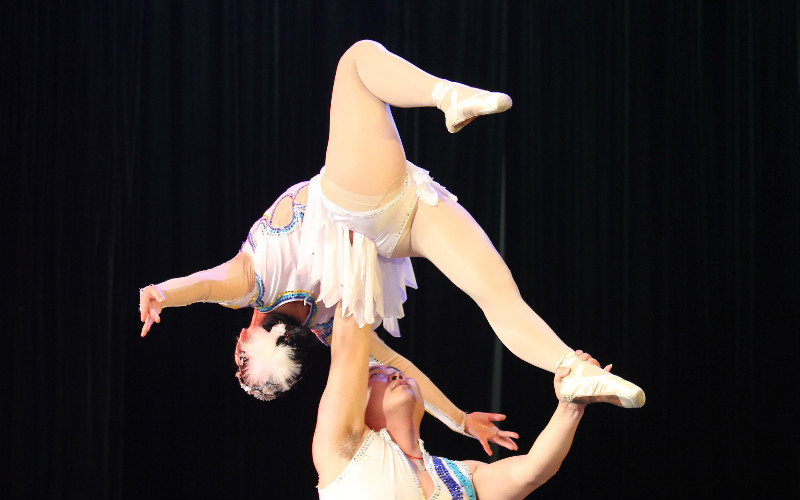 Chinese Acrobatics - best in the world