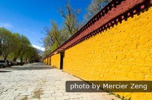Norbulingka in Tibet