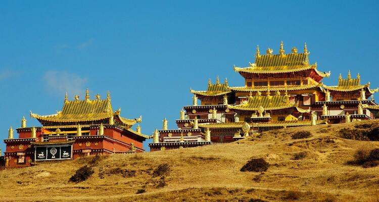 songzanlin monastery and lake