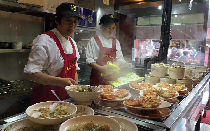 How to Eat Like a Local in Shanghai by Night