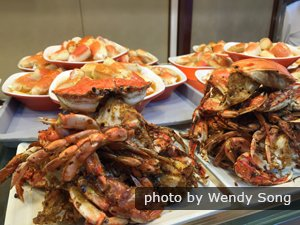 Eat hairy crab in Shanghai