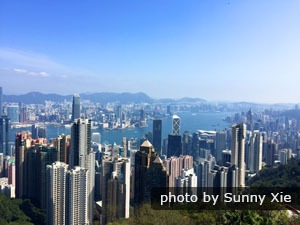 Visit Victoria Peak in a clear day