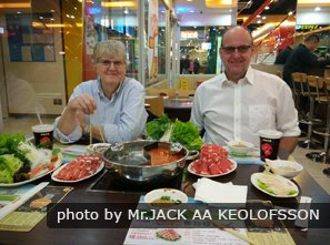 Enjoy hotpot with China Highlights