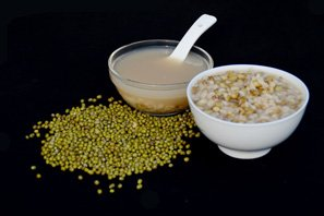 Congee with mung bean