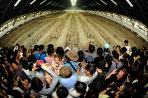 The Terracotta Army is always crowded with visitors.