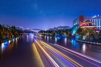 A Grand Canal Night Cruise in Hangzhou