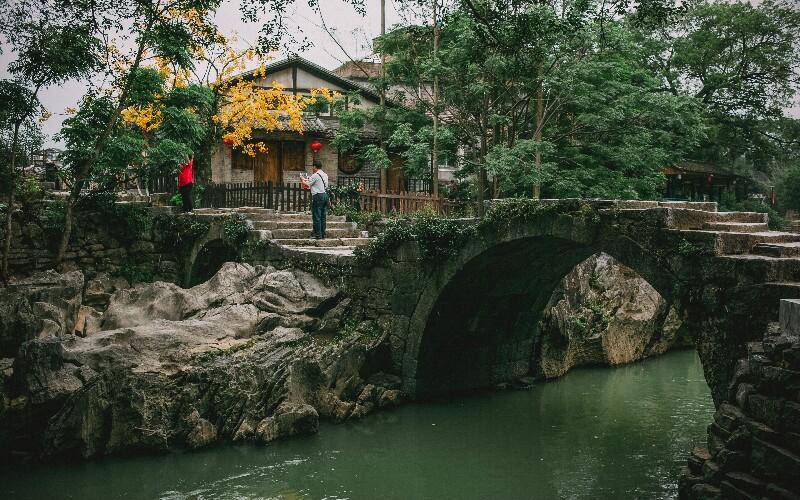 Hezhou Travel Guide - How to Plan a Trip to Hezhou