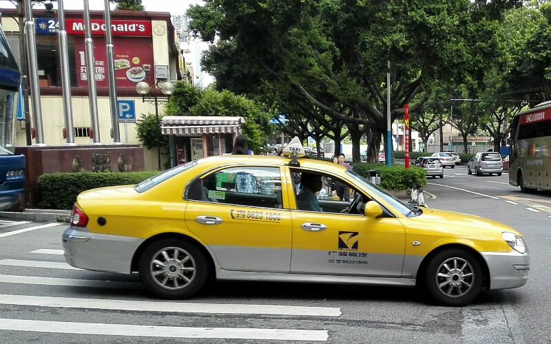 How to Take a Taxi in China — Tips and Fares