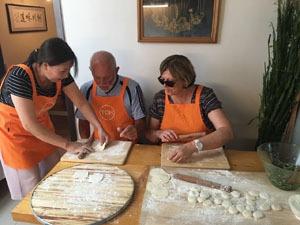 Making chinese dumplings in Beijing