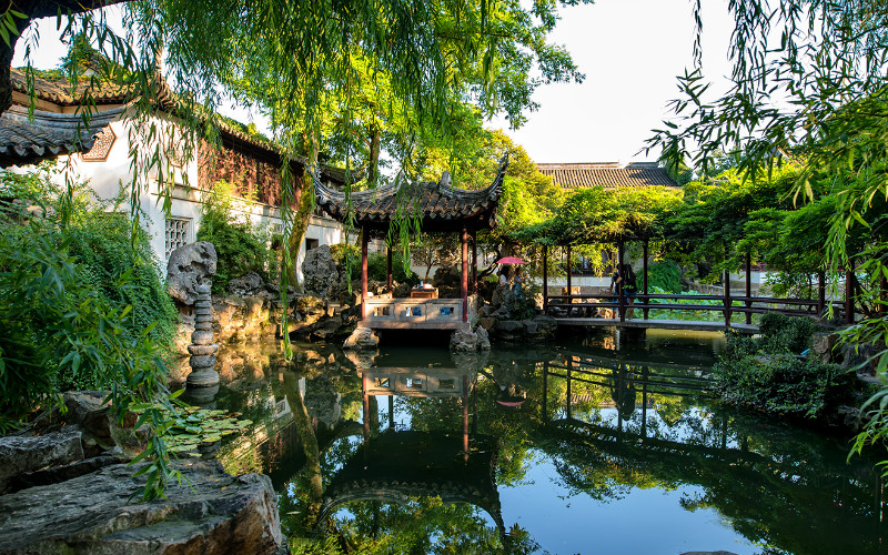 Lingering Garden - Famous for Its Striking Architecture
