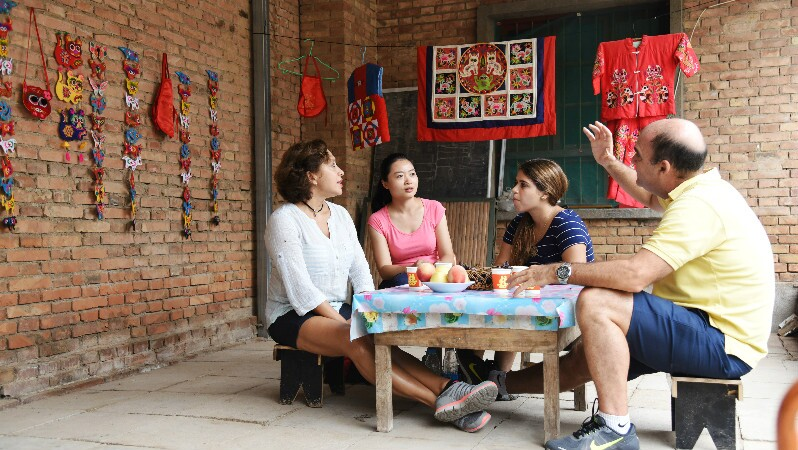 a must-do thing in your first china trip: Visit local family