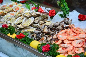 Enjoy a large seafood feast in Shenzhen