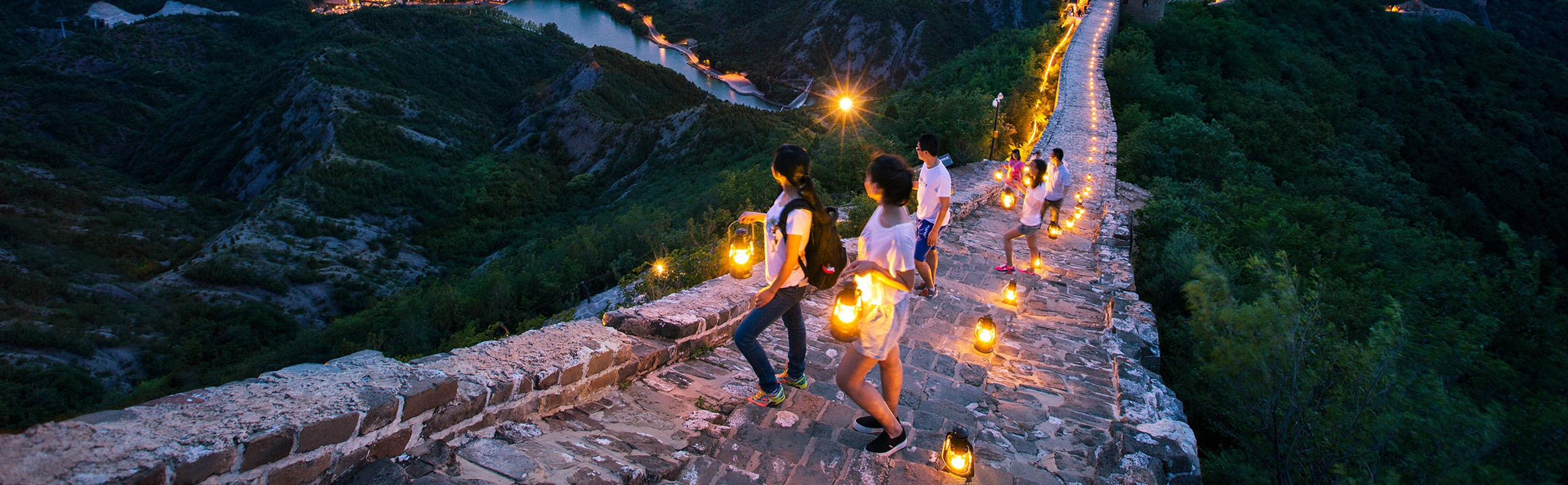 4 Days Beijing Private Tour to Visit the Great Wall at Night