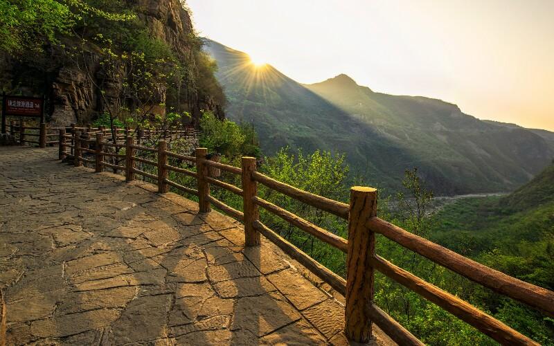 One Week in Depth Travel in Henan Province