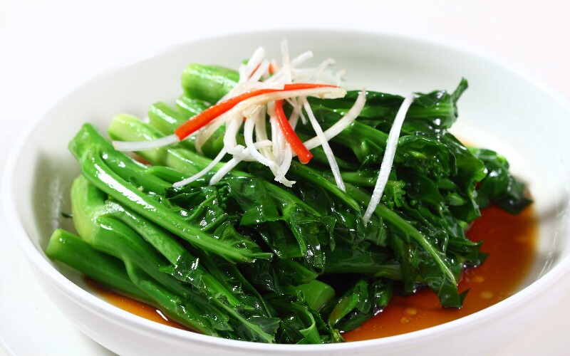 How to Cook Green Vegetables with Mushrooms