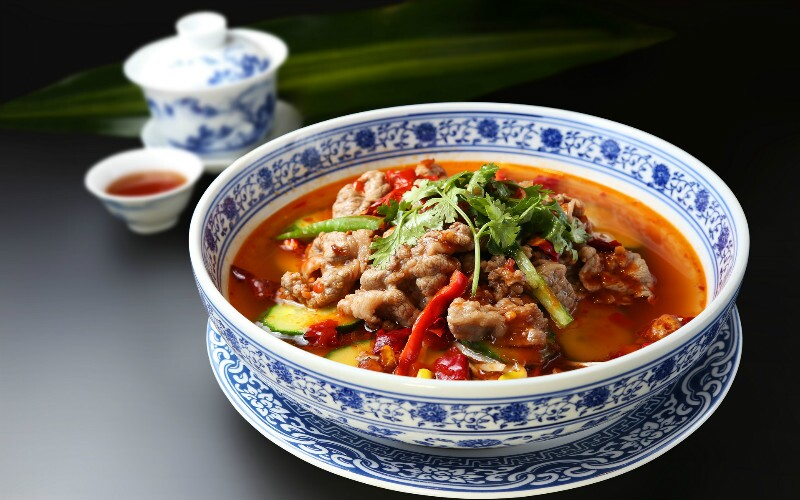 How to Cook Poached Sliced Beef in Hot Chili Oil