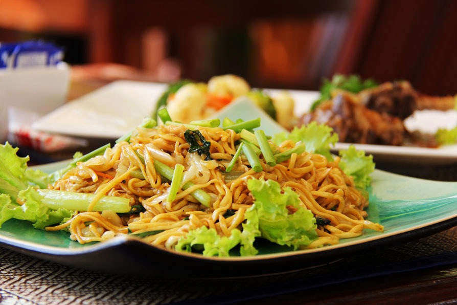 most popular chinese dishes:Chow Mein