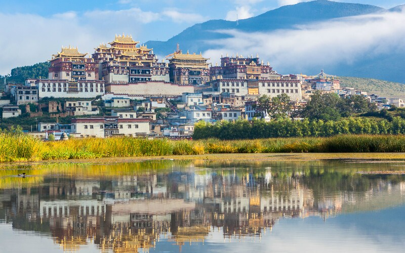 Songzanlin Monastery - Largest Tibetan Buddhist Temple in Yunnan