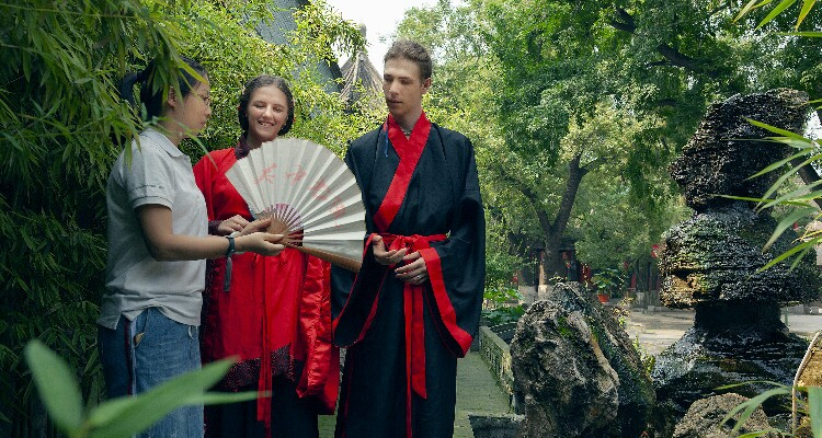 Our Guide Tell You Stories Behind Hanfu