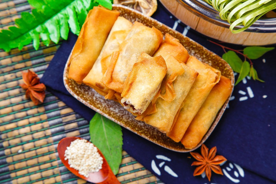 most popular chinese dishes:Spring Rolls