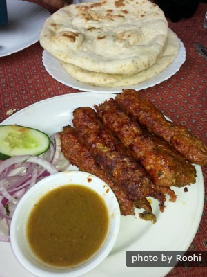Seekh kebab with naan and chutney