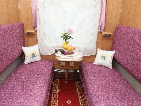 Twin share cabin on China Orient Express