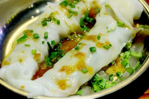 Hong Kong food: Steamed rice rolls