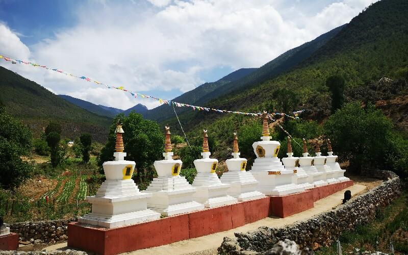 Nixi Pottery Village